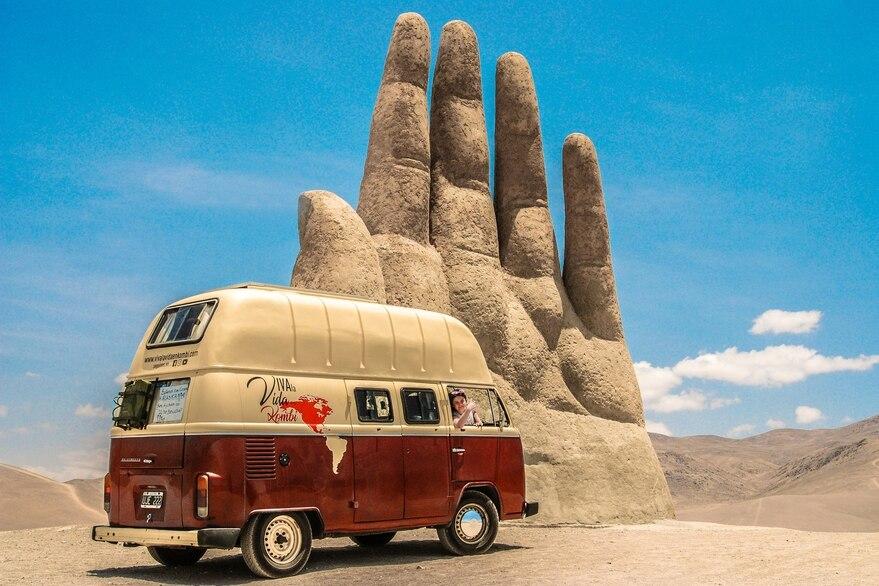 Verhalen van reizigers die in hun busje de wereld rondreizen